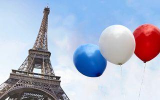Заставки Париж,эйфелева башня,достопримечательность,шарики,цвет,флага Франции