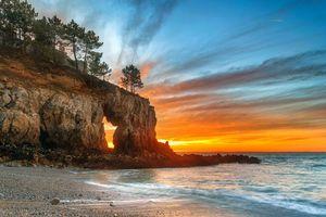 Обои Залив Шалёр, Канада, закат, море, берег, скалы, арка, деревья, пейзаж