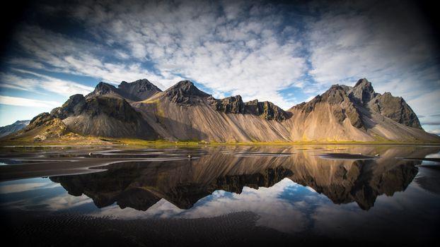 Фото бесплатно озеро, скалы, отражение, облака