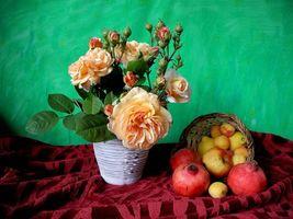 Обои розы, яблоки, гранат, натюрморт