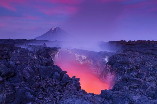 Photo free Gates to Hell - luminous lava, active volcano Tolbachik, Kamchatka
