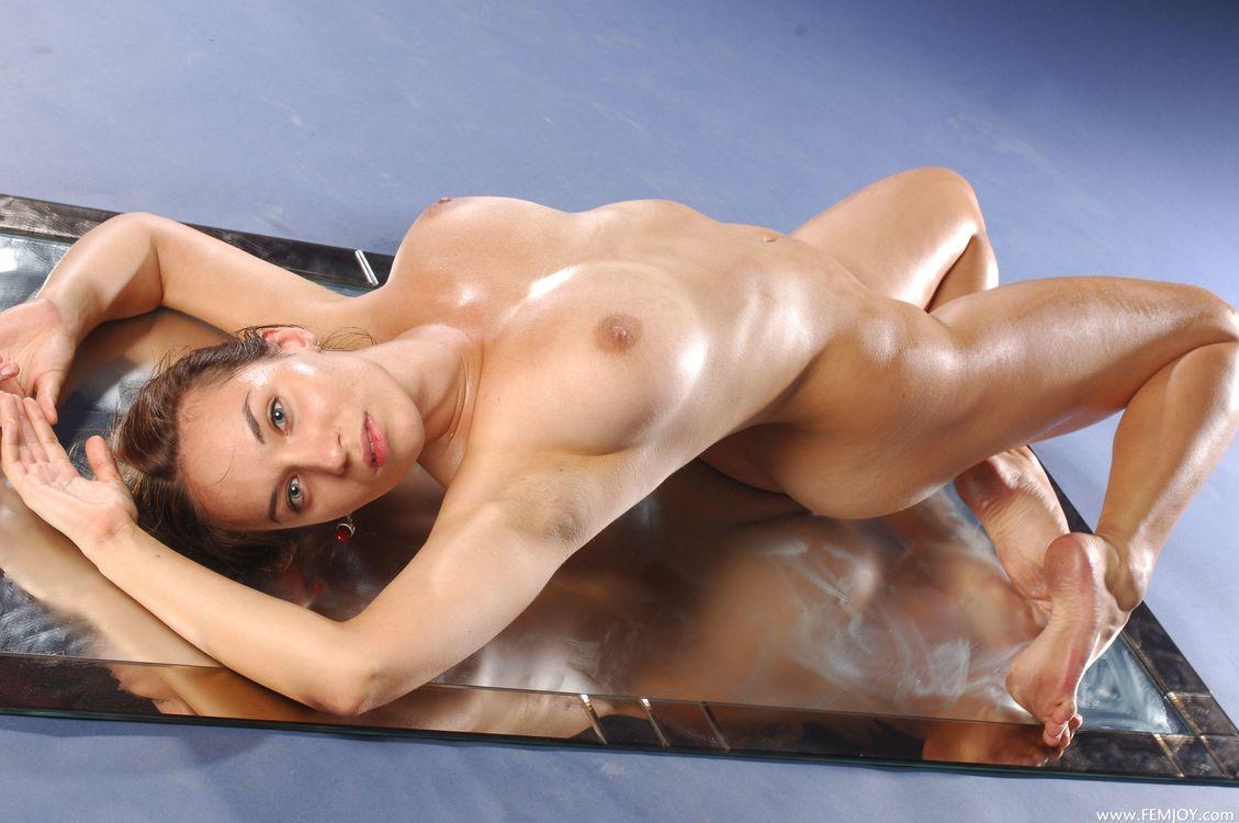 самым фото телом девушек с голых стройным