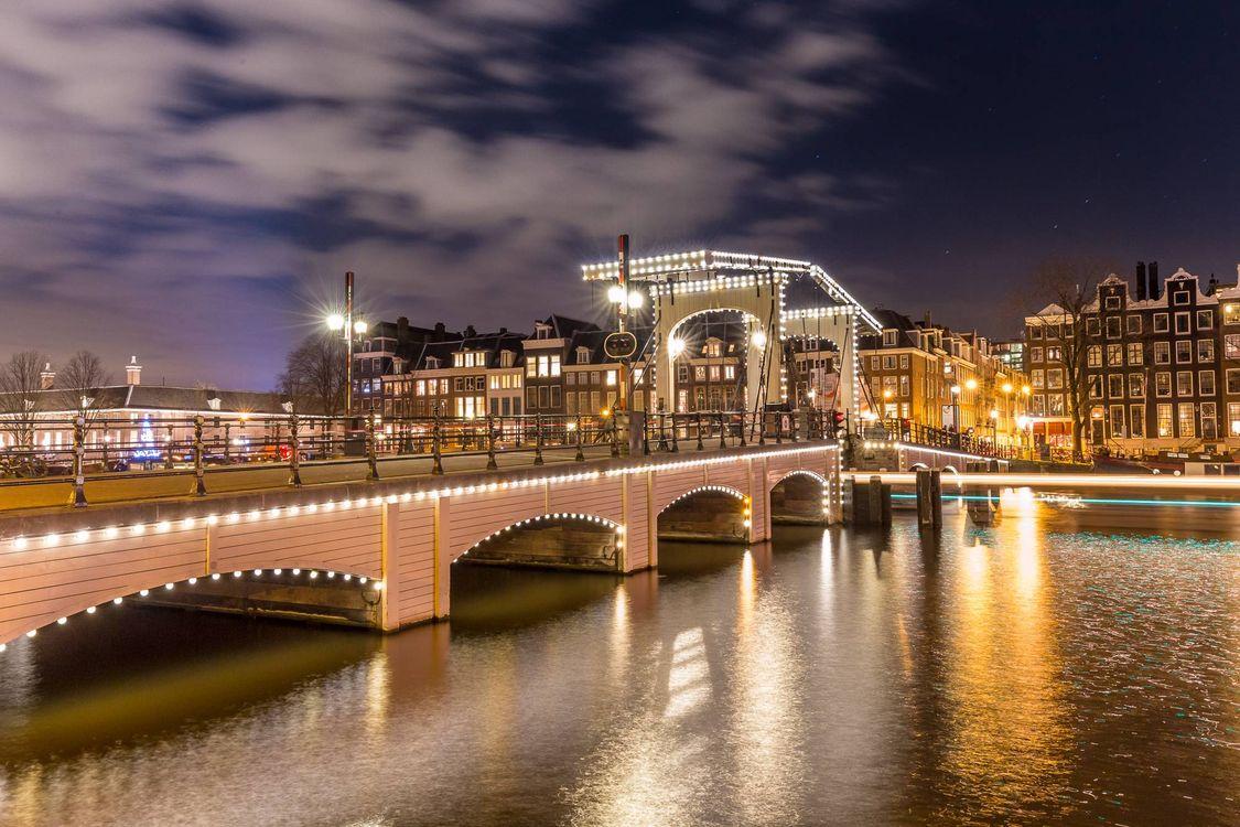 Обои Amsterdam, Амстердам, столица и крупнейший город Нидерландов, Нидерланды, Расположен в провинции Северная Голландия, Голландия, панорама на телефон | картинки город