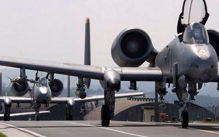 Фото бесплатно авиабаза, взлетная полоса, самолеты