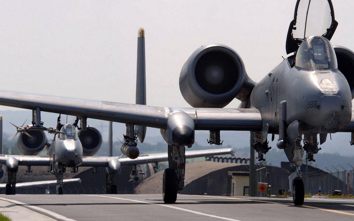 Фото бесплатно авиабаза, взлетная полоса, самолеты - на рабочий стол