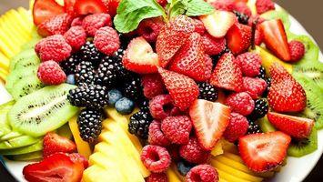 Бесплатные фото Киви,манго,клубника,малина,шелковица