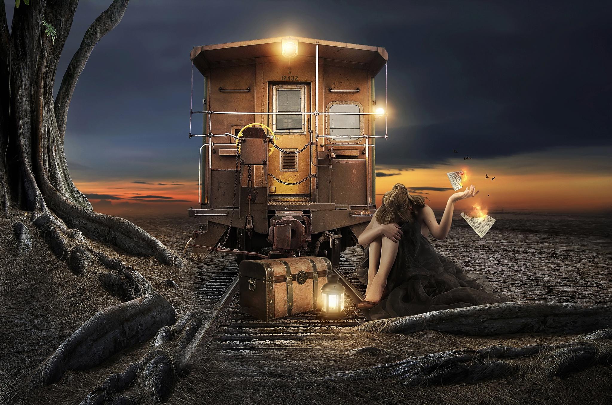 Обои девушка, железная дорога, вагон, фонари