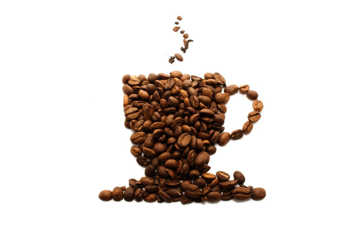Фото бесплатно кофе, зерна, рисунок, чашка, блюдце, пар, напитки