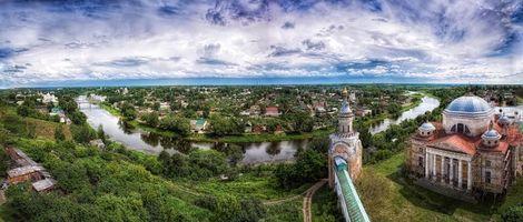 Борисоглебский собор, монастырь в Торжке, река, пейзаж, деревья