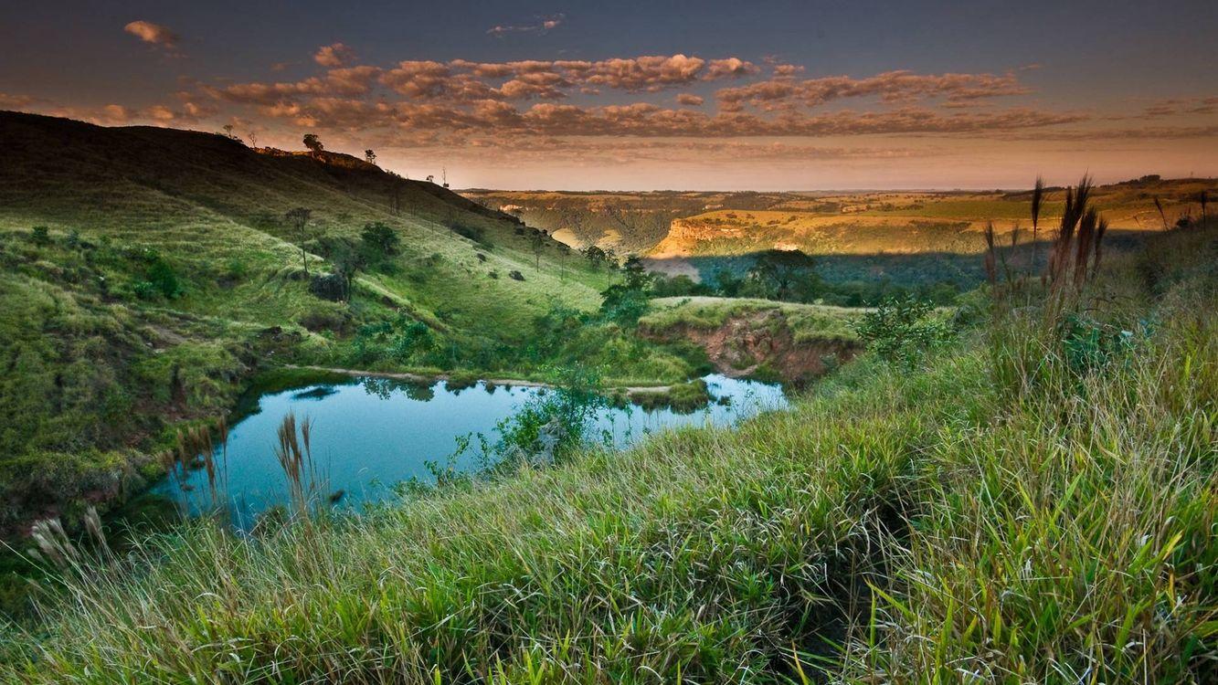 Фото бесплатно лето, холмы, трава, озеро, небо, облака, природа