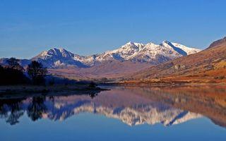 Бесплатные фото озеро,гладь,отражение,горы,растительность,вершины,снег