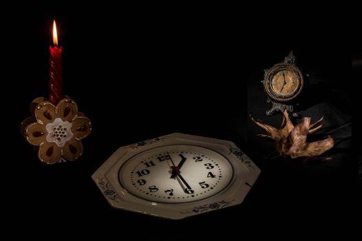 Фото бесплатно свеча, часы, натюрморт