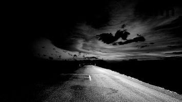 Фото бесплатно черный и белый, разметка, асфальт