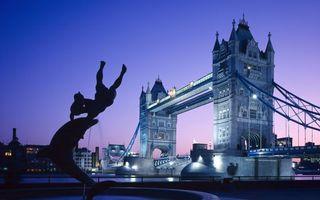 Бесплатные фото вечер,Лондон,фонтан,Темза,Тауэрский мост,подсветка,достопримечательность