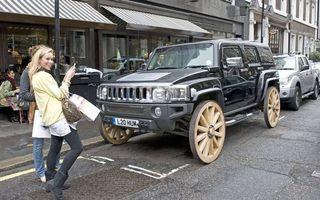 Бесплатные фото Хаммер на деревянный колесах,креатив