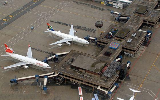 Фото бесплатно аэропорт, здания, самолеты
