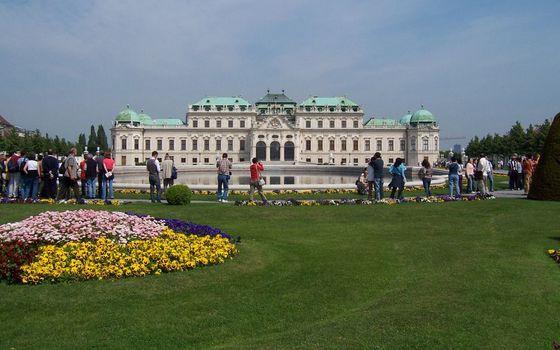 Бесплатные фото достопримечательность,дворец,пруд,ландшафтный дизайн,люди,экскурсия