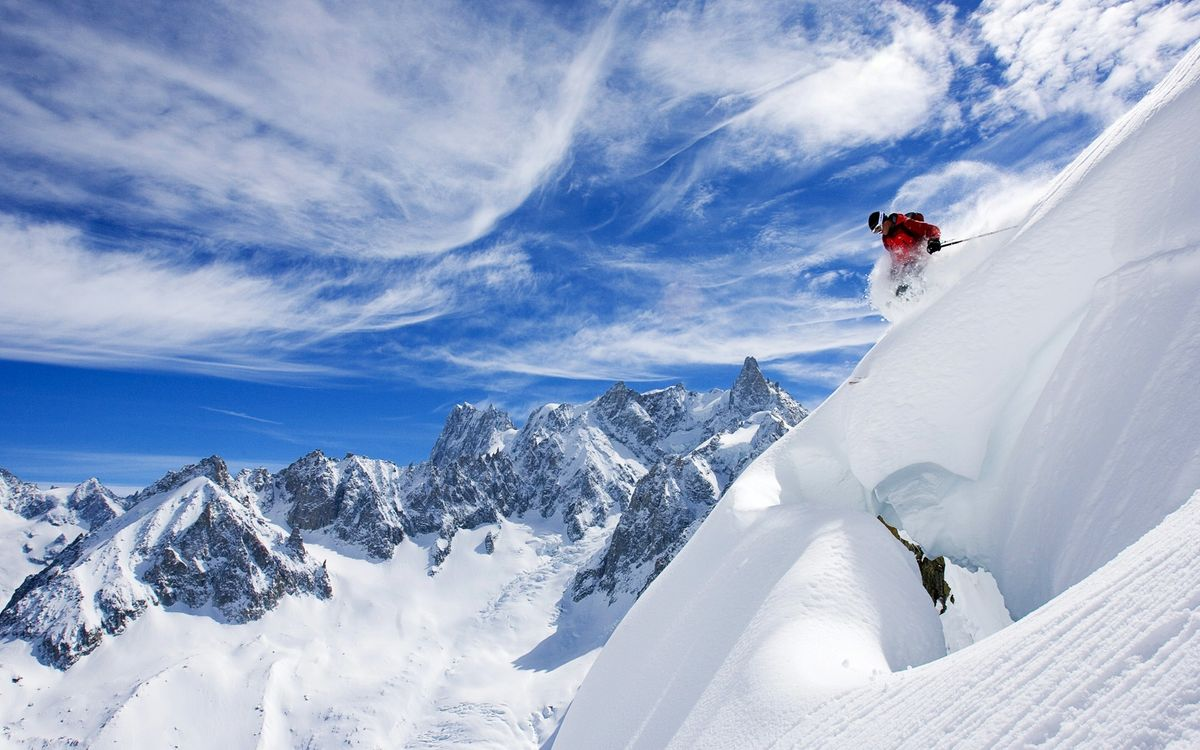 Free photo mountains, snow, skier - to desktop