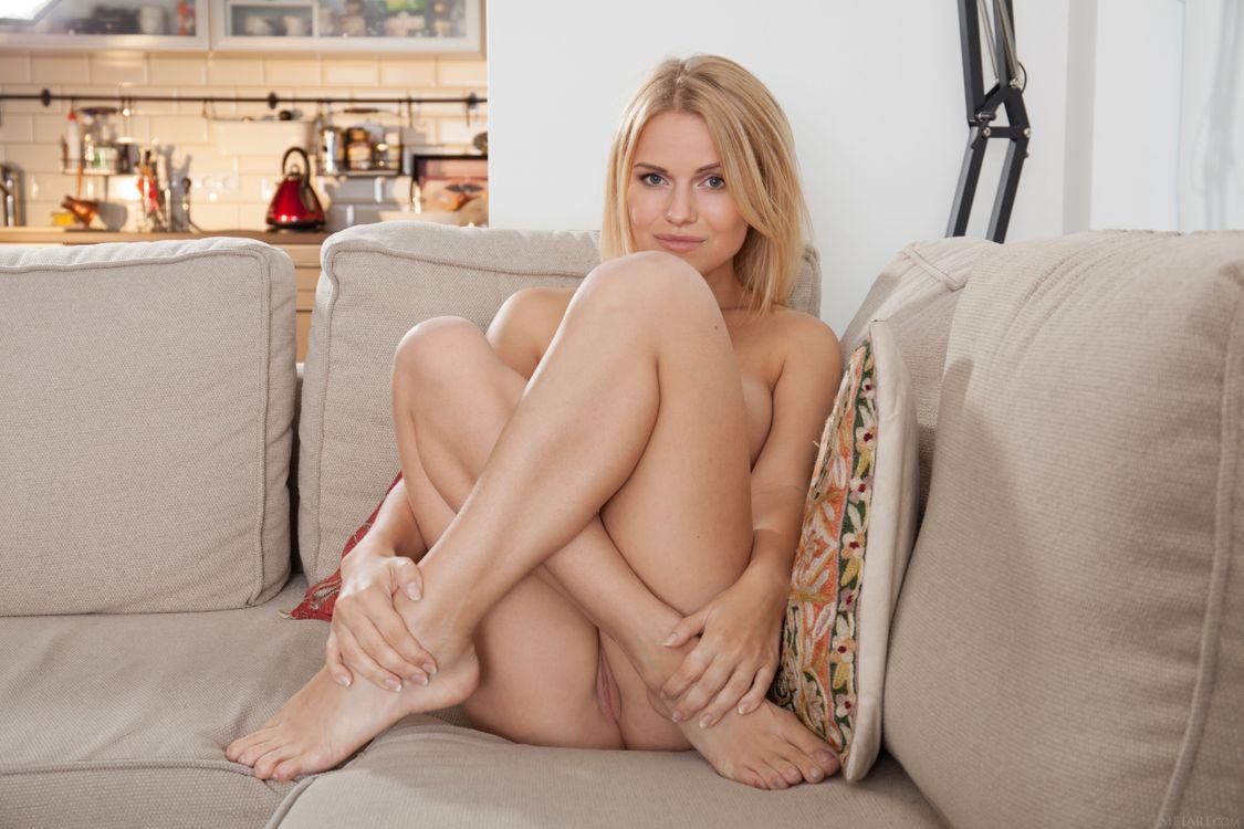 Фото бесплатно Raena, модель, красотка, голая, голая девушка, обнаженная девушка, позы, поза, сексуальная девушка, эротика, эротика