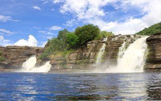 Бесплатные фото скалы,камни,растительность,обрыв,водопад,река,небо