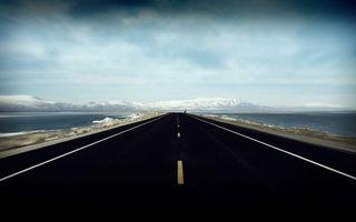 Заставки дорога,асфальт,разметка,обочина,водоем,горизонт,горы