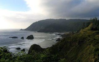 Бесплатные фото побережье,горы,растительность,море,волны,камни