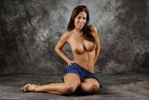 Обои Satin Bloom, Lucie B, девушка, модель, красотка, голая, голая девушка, обнаженная девушка, позы, поза, сексуальная девушка, эротика