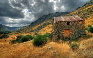 Бесплатные фото горы,трава,строение,каменное,небо,облака