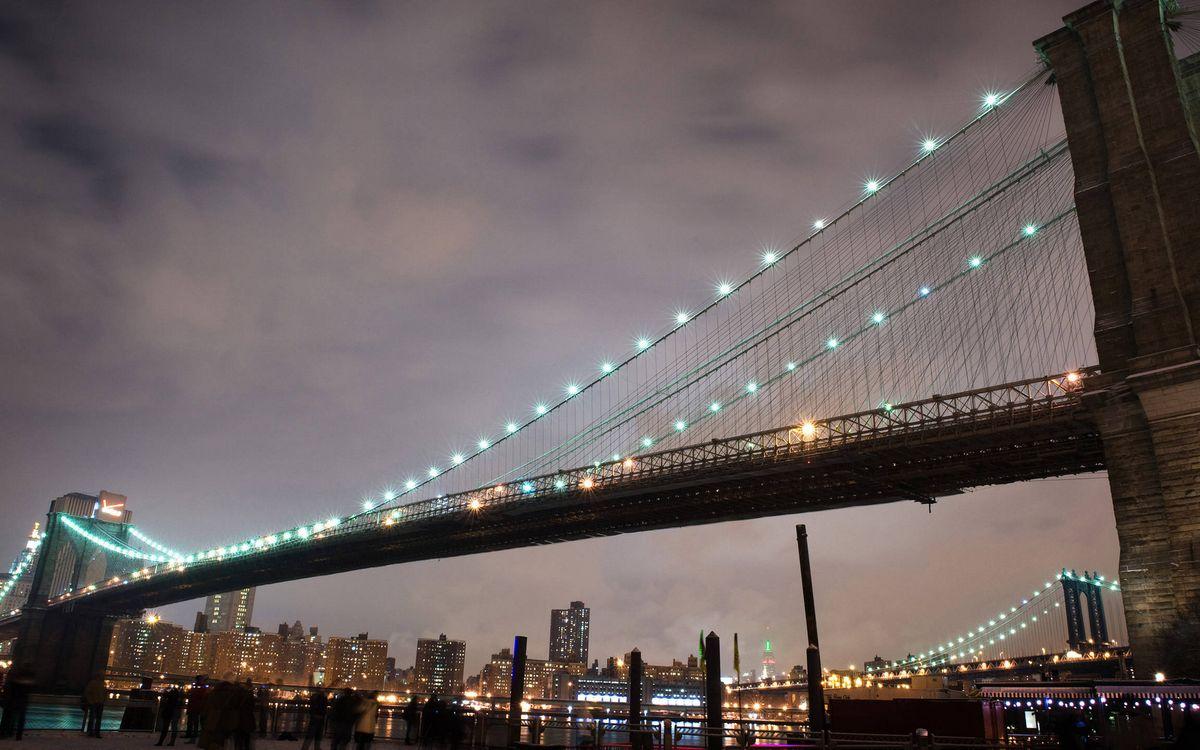 Фото бесплатно вечер, мост, конструкция, тросы, подсветка, дома, здания, огни, город