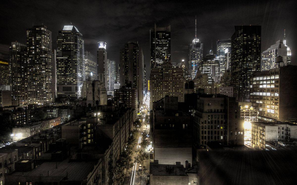 Обои ночь, дома, здания, небоскребы, улица, автомобили, огни картинки на телефон