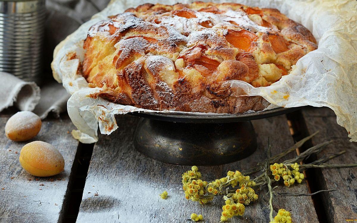 Фото бесплатно пирог, начинка, бумага, абрикосы, цветочки, еда - скачать на рабочий стол