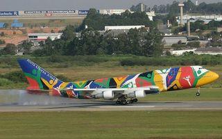 Заставки самолет пассажирский, цветной, крылья, турбины, взлетная полоса, посадка, шасси