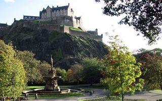 Бесплатные фото парк,фонтан,деревья,гора,замок,крепость