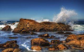 Бесплатные фото берег,море,камни,валуны,волны,брызги,небо