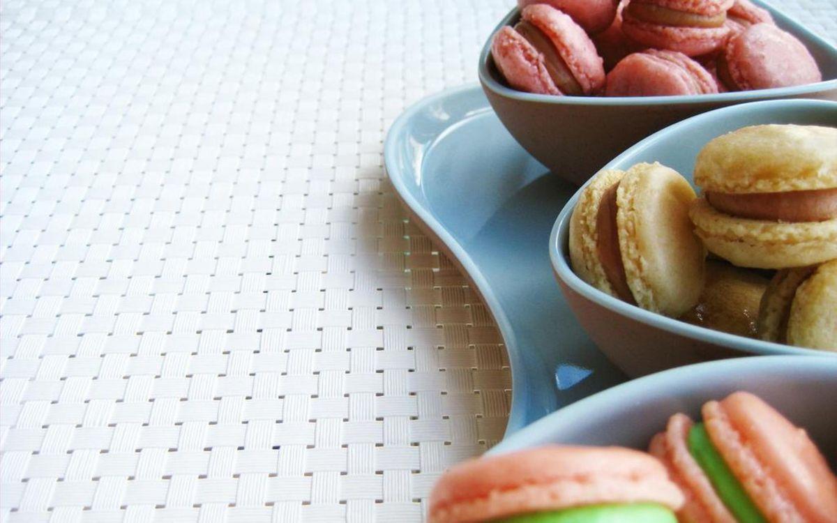Фото бесплатно поднос, тарелки, печенье - на рабочий стол