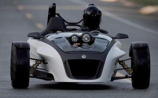 Бесплатные фото фольксваген,трехколесный,водитель,шлем,фары,дорога,скорость