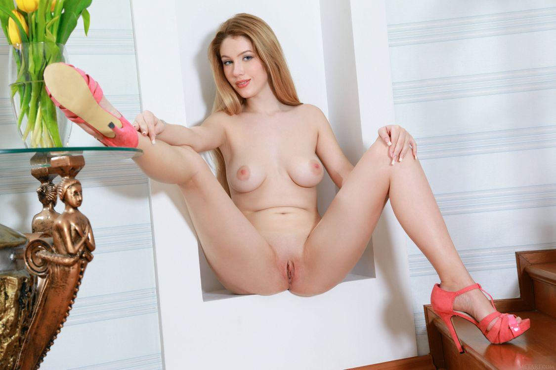 Фото бесплатно Erica B, модель, эротика, красотка, девушка, голая, голая девушка, обнаженная девушка, позы, поза, эротика