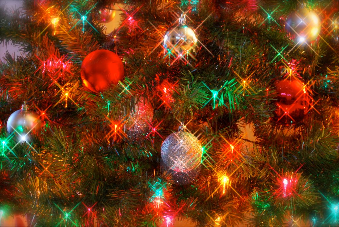 Free photo Christmas tree, New Year wallpapers, toys - to desktop