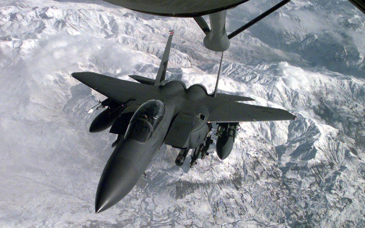Фото бесплатно самолет, истребитель, кабина, крылья, вооружение, полет, дозаправка, авиация