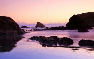 Бесплатные фото море,камни,скалы,горизонт,облака,небо