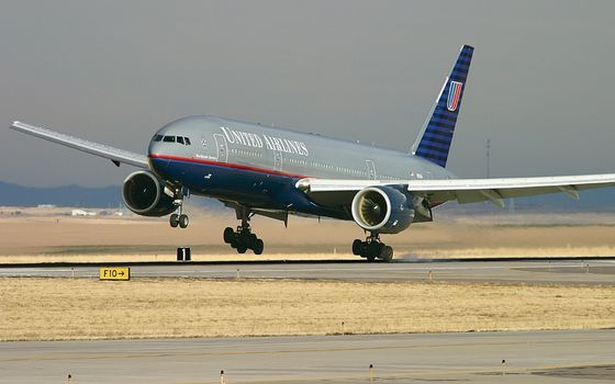 Photo free airplane, landing gear, turbines