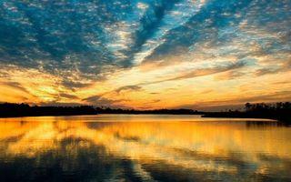 Бесплатные фото вечер,река,отражение,берега,деревья,небо,облака