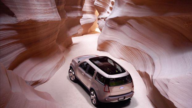 Фото бесплатно форд, концет, крыша, панорамная, фонари, диски, ущелье