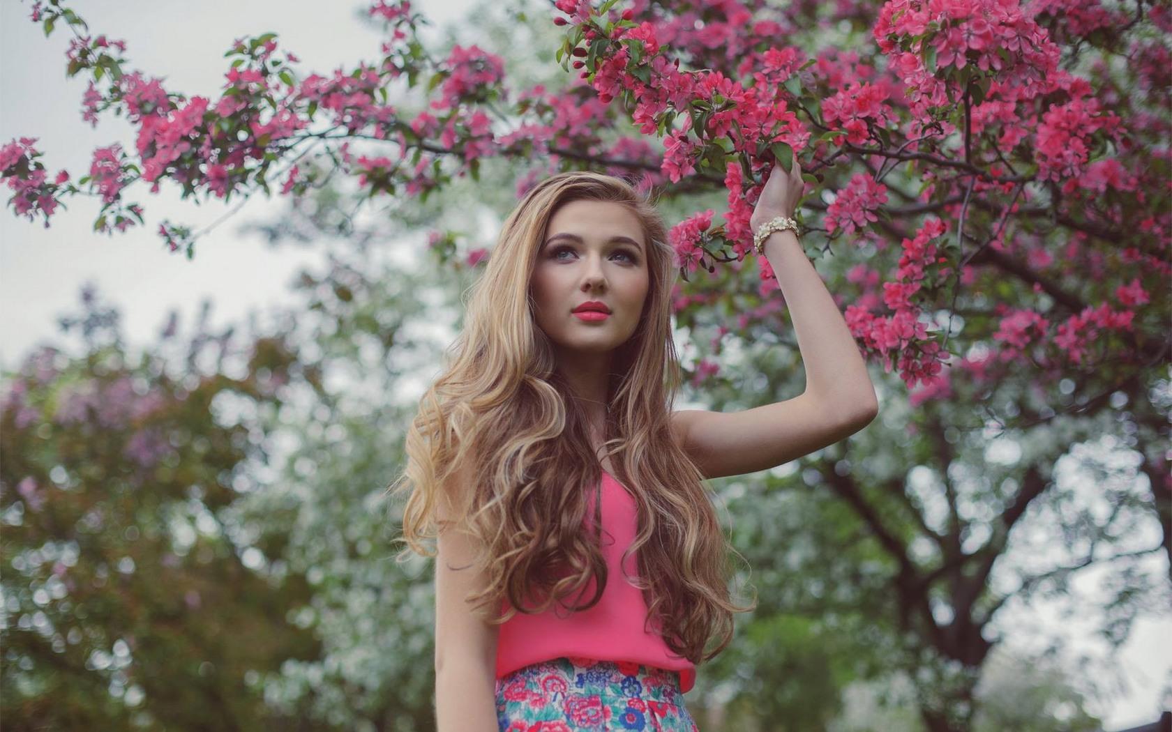 Девушка, портрет, цветущее дерево
