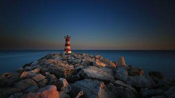 Бесплатные фото маяк,возвышенность,скала,камни,валуны,океан,горизонт