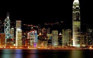 Бесплатные фото ночь,море,побережье,дома,небоскребы,улицы,огни