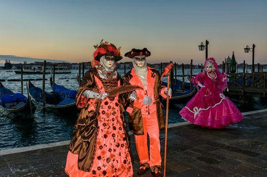 Фото бесплатно Венецианский костюм, венецианский карнавал, венецианская маска