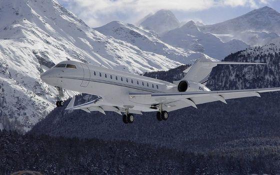 Бесплатные фото самолет,бизнес класс,крылья,хвост,турбины,шасси,полет,горы,снег,деревья