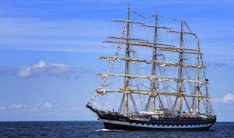 Заставки море,парусник,барк,Крузенштерн,корабль,небо
