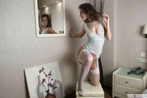 Заставки Cecelia, красотка, голая, голая девушка, обнаженная девушка, позы, поза
